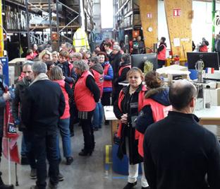 En-attendant-la-venue-du-président-200-salariés-textiles-des-Vosges-revoient-les-meilleurs-moments-deVosges-terre-textile