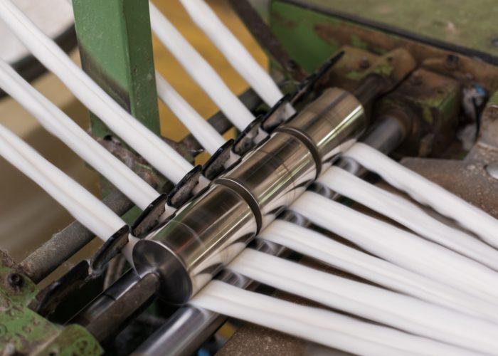 Le cardage consiste à démêler et aérer les fibres textiles.