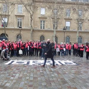 Operation-flashmob-Paris-filiere-textile-vosgienne-03