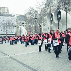 Operation-flashmob-Paris-filiere-textile-vosgienne-11