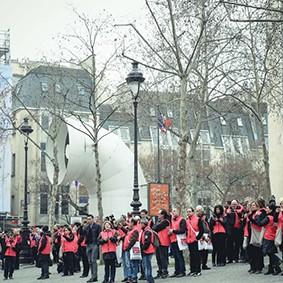 Operation-flashmob-Paris-filiere-textile-vosgienne-12