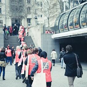 Operation-flashmob-Paris-filiere-textile-vosgienne-66