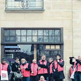 Operation-flashmob-Paris-filiere-textile-vosgienne-74