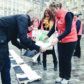 Operation-flashmob-Paris-filiere-textile-vosgienne-76
