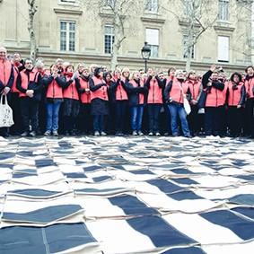 Operation-flashmob-Paris-filiere-textile-vosgienne-79