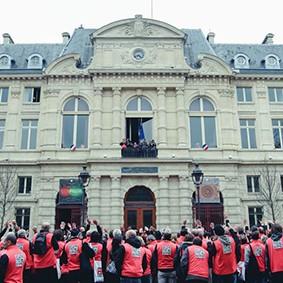 Operation-flashmob-Paris-filiere-textile-vosgienne-81
