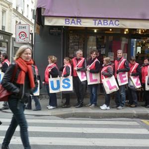 Operation-flashmob-Paris-filiere-textile-vosgienne-90