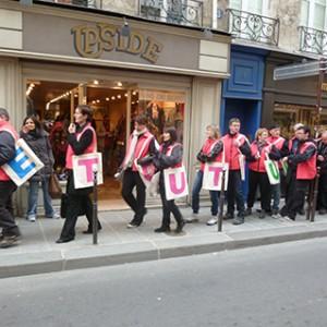 Operation-flashmob-Paris-filiere-textile-vosgienne-99