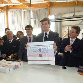 arnaud-montebourg-felicite-linitiative-vosges-terre-textile-fevrier-2014-01