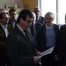arnaud-montebourg-felicite-linitiative-vosges-terre-textile-fevrier-2014-04