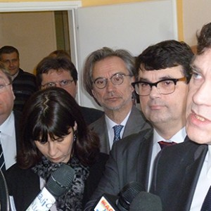 arnaud-montebourg-felicite-linitiative-vosges-terre-textile-fevrier-2014-13