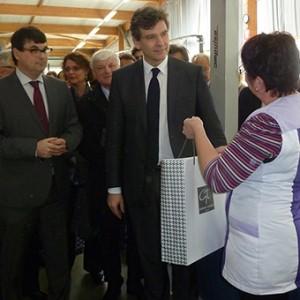 arnaud-montebourg-felicite-linitiative-vosges-terre-textile-fevrier-2014-25