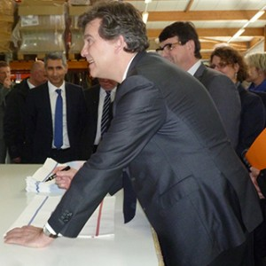 arnaud-montebourg-felicite-linitiative-vosges-terre-textile-fevrier-2014-26