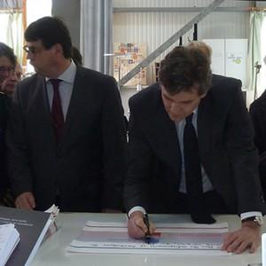 arnaud-montebourg-felicite-linitiative-vosges-terre-textile-fevrier-2014-27